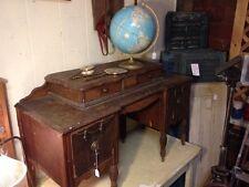 Antique Vtg Child Bedroom Kids Vanity Dresser Makeup Desk Wooden Wheels Dovetail