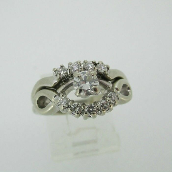 14k White gold Approx .22ct Round Brilliant Cut Diamond Ring Size 9