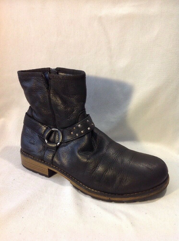 Clarks Black Ankle Leather Boots Size 4.5F