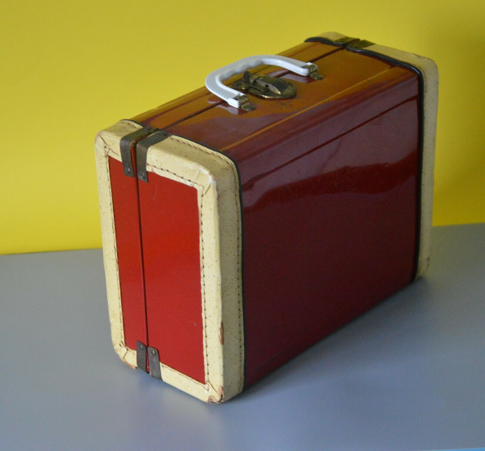 Cool Vintage Suitcase, Small Dimensione, Multi Purpose Case, rosso Coloree, With Leather T