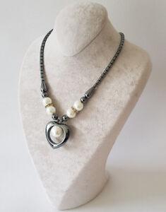 Halskette-Kette-Mit-Weisse-Perle-in-Herz-Form-Magnetverschlus-Haematit-BlutStein