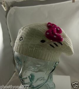 Hello-Kitty-white-knit-bow-hat-cap-Sanrio-cute-winter-garb