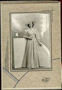 "Antique Photo in Folder - Fancy Lady, Dress & Hat - Chicago, Illinois 7""x10"""