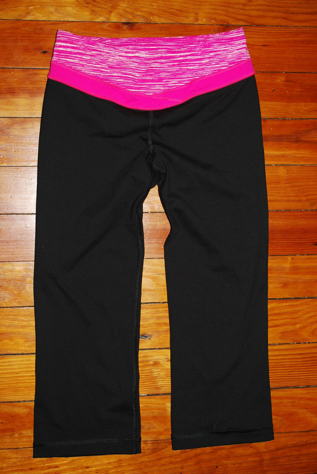 Women's Victoria's Secret VSX Supermodel Pink Capri Leggings (X-Small)