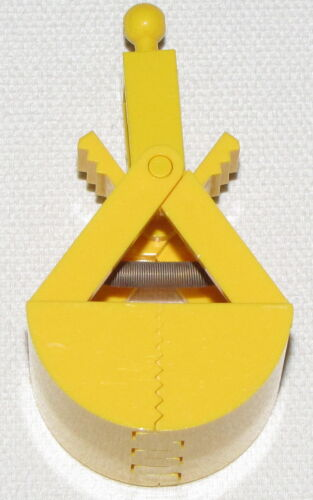 LEGO YELLOW CRANE BUCKET SPRING LOADED PIECE