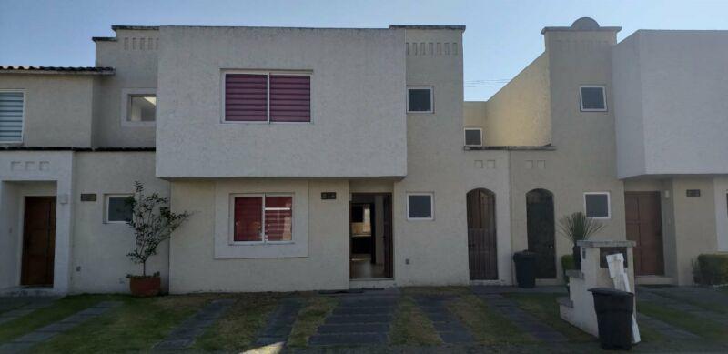 Se renta casa en fraccionamiento Villas del castano
