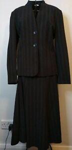 Beautiful-Pin-Striped-Suit-By-Klass-Size-16-smart-formal-collarless-button-u