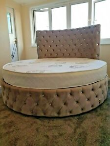 Tweepersoonsbed 140 Cm.New Round 6ft 6 Upholstered Bed 140 Cm High Headboard Complete With