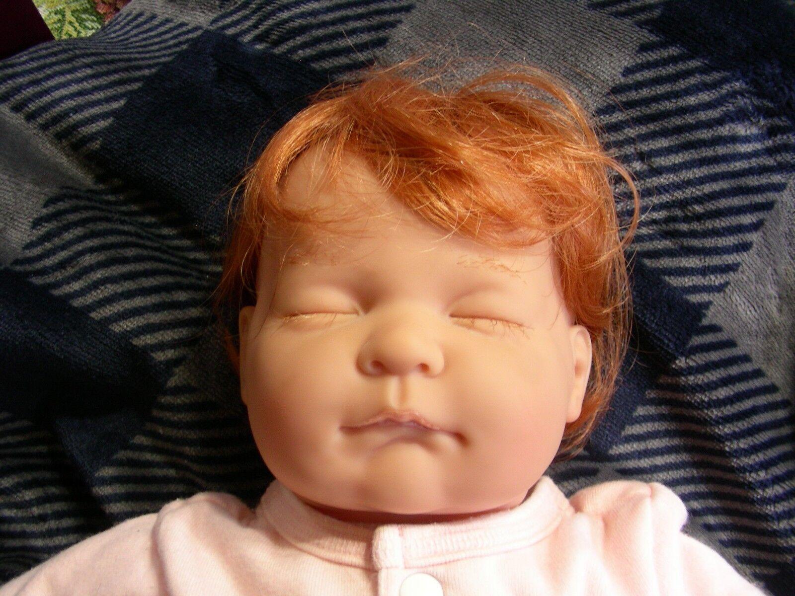 Berenguer Reborn Bebé que duerme vestida de 20  W pelo rojo