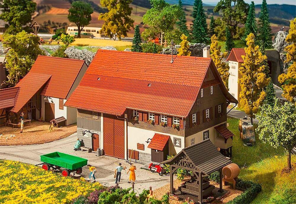 Faller 130558, Altes Bauernhaus  | Online Store