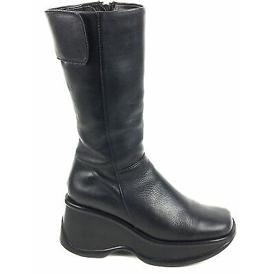 Steve Madden Wedge  Platform Zip Side Black Boot Size US.6-6.5 EUR.36-37