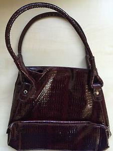 Avon Damenhandtasche in Kroko-Optik burgunderfarben - Handtasche