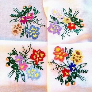 VINTAGE-HAND-EMBROIDERED-WHITE-COTTON-TABLECLOTH-30X30-INCHES