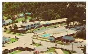 Undated-Unused-Postcard-Holiday-Hearth-Motels-Cape-Cod-Massachusetts-MA