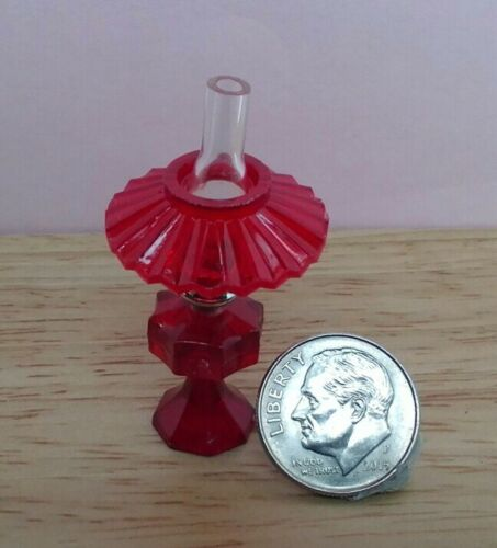 Dollhouse Miniature Chrysnbon Small Ruby Red Oil Lamp with Shade 12 scale