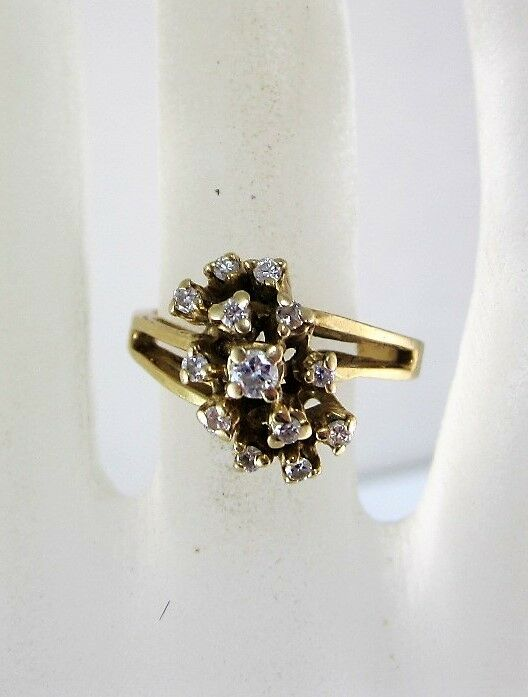 14K YELLOW gold CLUSTER DIAMOND RING (SIZE 5.75) 4.4G 0.12CT.