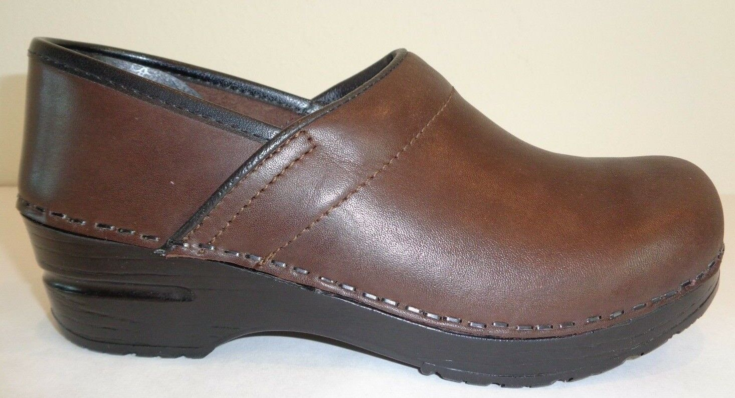 Sanita Taille 6 Eur 36 LINDA CLOSED marron Leather Slip On Clogs New femmes chaussures