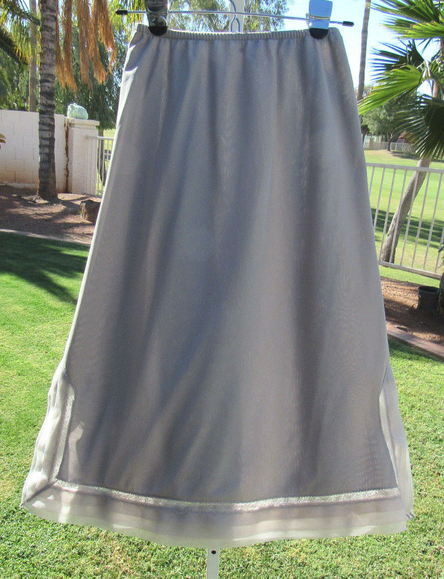 VINTAGE 1950s SNOWDON SMALL GRAY NYLON 1/2 SLIP FLORAL LACE DOUBLE LAYERED