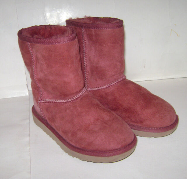 4dca18b33de UGG Australia Classic Redwood Sheepskin Girls BOOTS Size 1 - 5251 ...