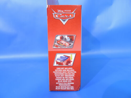 Disney Cars Deluxe Play /& Race Launcher Piston Cup CDP74