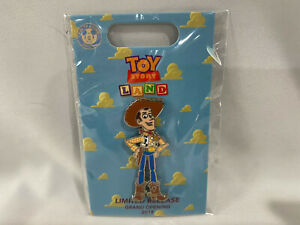 2018-Loungefly-Toy-Story-Land-Grand-Opening-Limited-Release-Pin-Woody-New