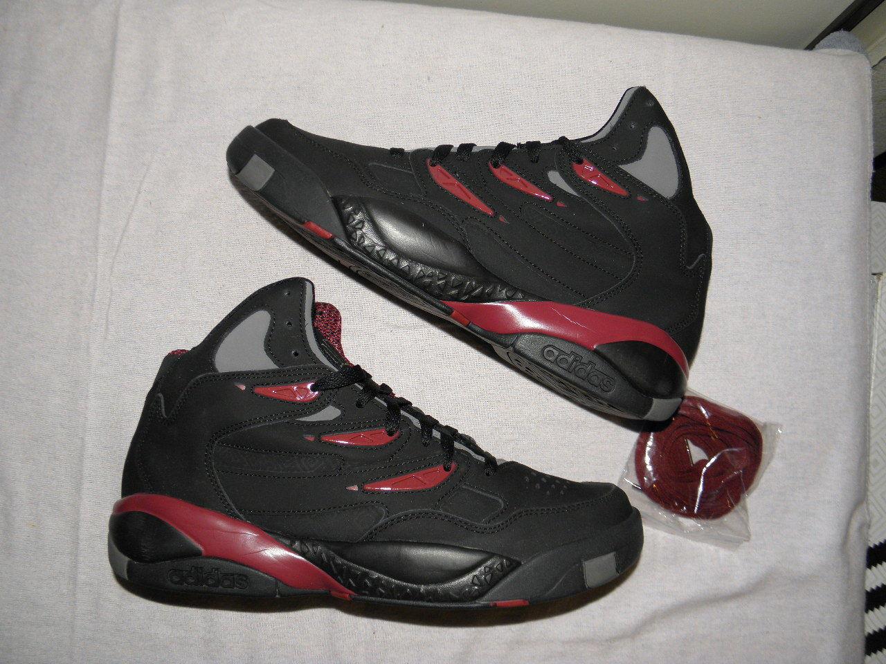 Adidas Dikembe Mutombo 2 II Two Deke yeezy boost Originals size 11 EUC black red
