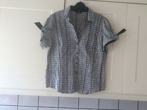 LADIES-SMART-SIZE-18-BLACK-WHITE-BLOUSE-FROM-M-amp-S