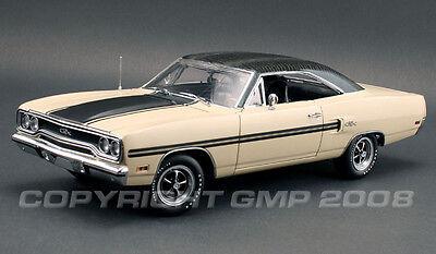1970 Plymouth GTX Pebble Beige GATOR GRAIN TOP 1:18 GMP 1803119