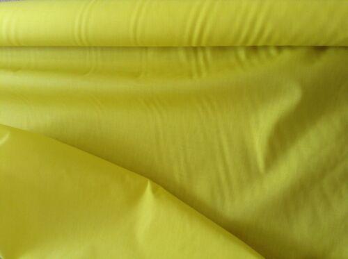 """Amarillo Sol polycottonn Tela-Liso//sólido 112cm o 44/"""" De Ancho-Por Metro"""