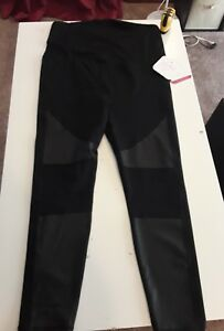 533ca8124b921 NEW Ingrid & Isabel Maternity XL Active Moto Leggings + Crossover ...