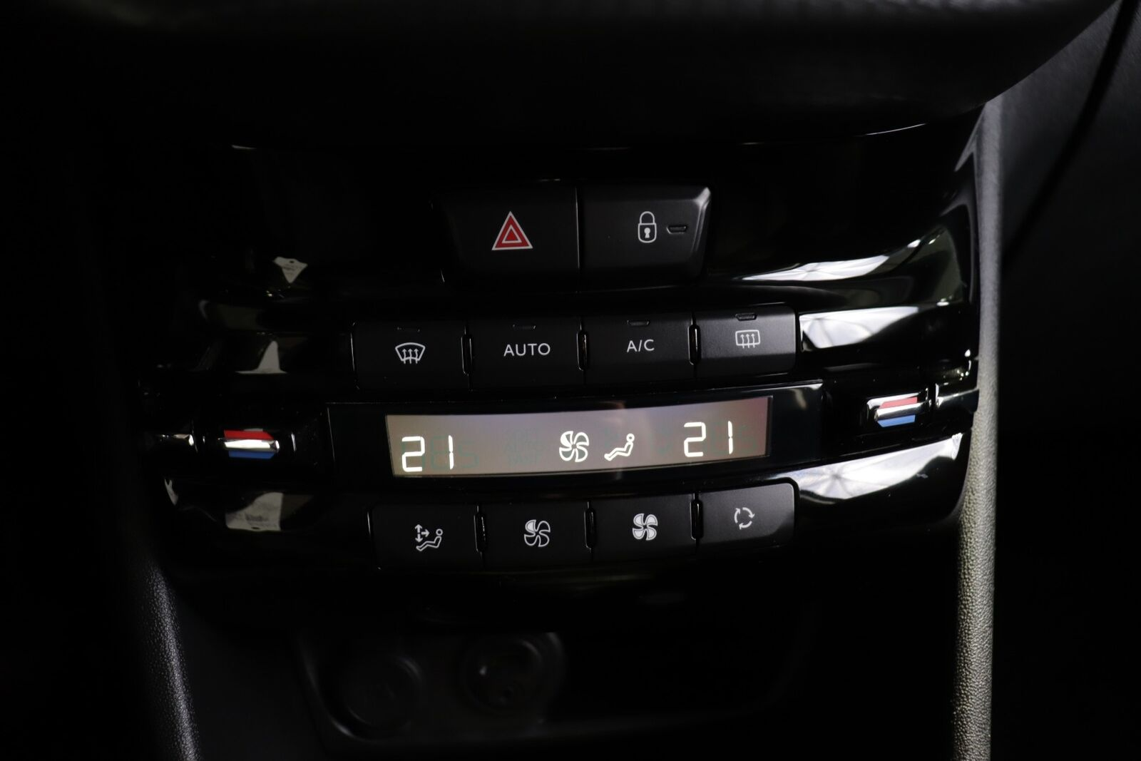 Peugeot 208 BlueHDi 100 Desire Sky