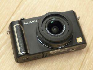 Panasonic-Lumix-LX3-Obiettivo-Leica-f2-2-8-stabilizzato