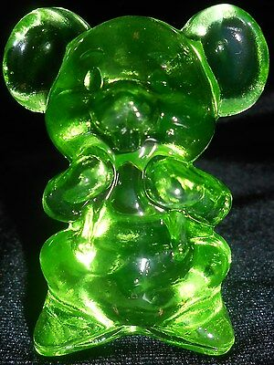 Green Vaseline solid Willie Mouse glass Figurine Paperweight uranium yellow rat