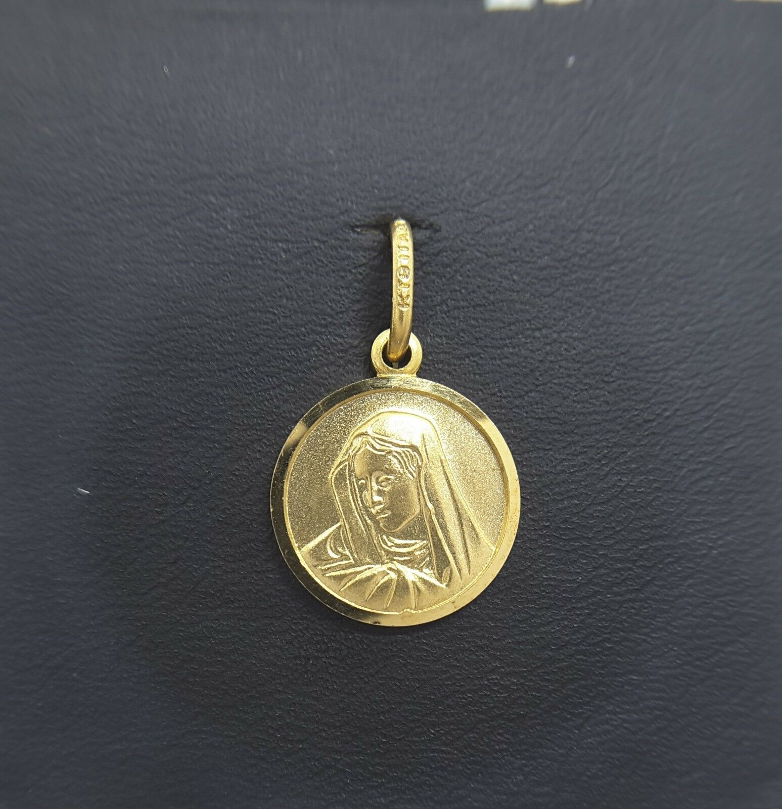 Miran 081101 9k Yellow gold Mawomen Medallion Pendant 14mm 1.8g RRP  235