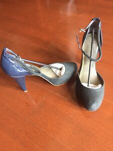 9b9ac1f7d7e Image is loading Calvin-Klein-Navy-Pumps-suede-upper-and-patent-