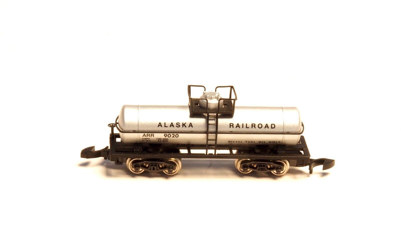 Marklin Z-scale  ALASKA Railroad 4 axle tank car