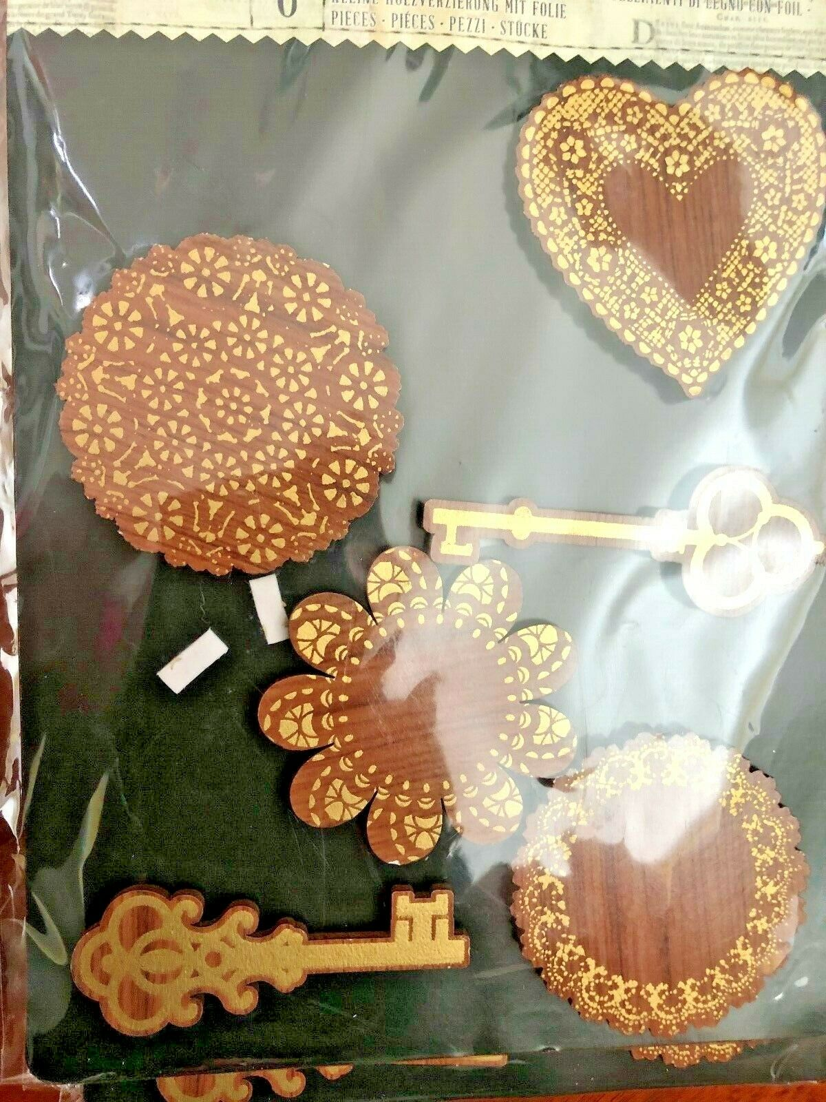 Prima Wood with Gold Foil  Keys /& Doilies  579739