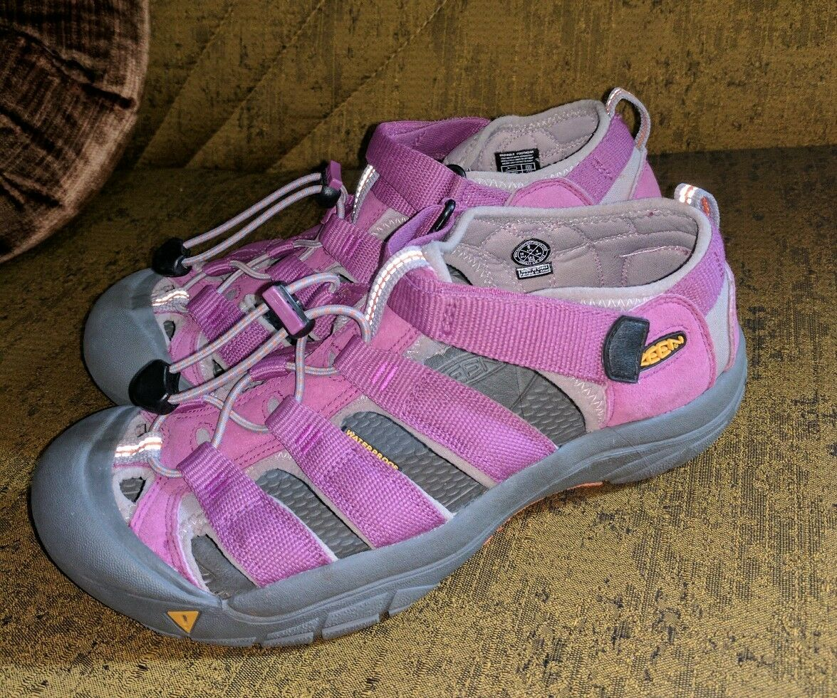 KEEN LILAC PURPLE BUNGEE WATER SANDALS BEAUTIFUL SUMMER Schuhe SPORT 6 M LADIES