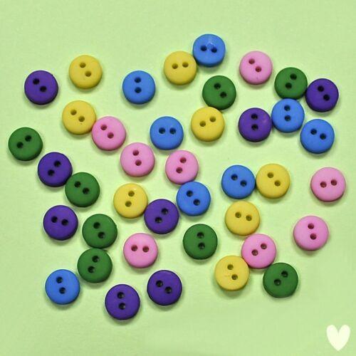 il habille Boutons Galore Tiny boutons jardin 1570