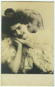 c-1902-French-Glamour-SMILING-BEAUTY-undivided-back-photo-postcard