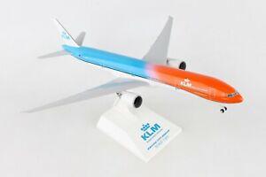 SKYMARKS-SKR972-KLM-034-ORANGE-PRIDE-034-777-300ER-1-200-SCALE-PLASTIC-SNAPFIT-MODEL