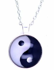 Vintage retro style yin yang yinyang sign pendant necklace, silver coloured outl