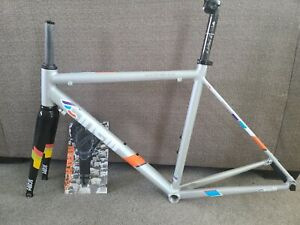 Cinelli EXPERIENCE 53CM Carbon Fork And Seatpost/scatto  saddle