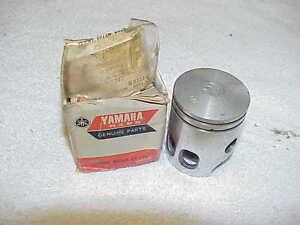 NOS Yamaha Piston Kit STD 1981 YZ80 YZ 4V1-11630-00 OEM GENUINE