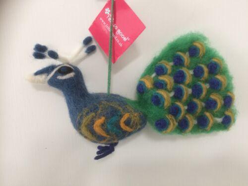 se sentait si bon commerce équitable Noël Hanging Décoration Bleu Feutre Peacock Bird