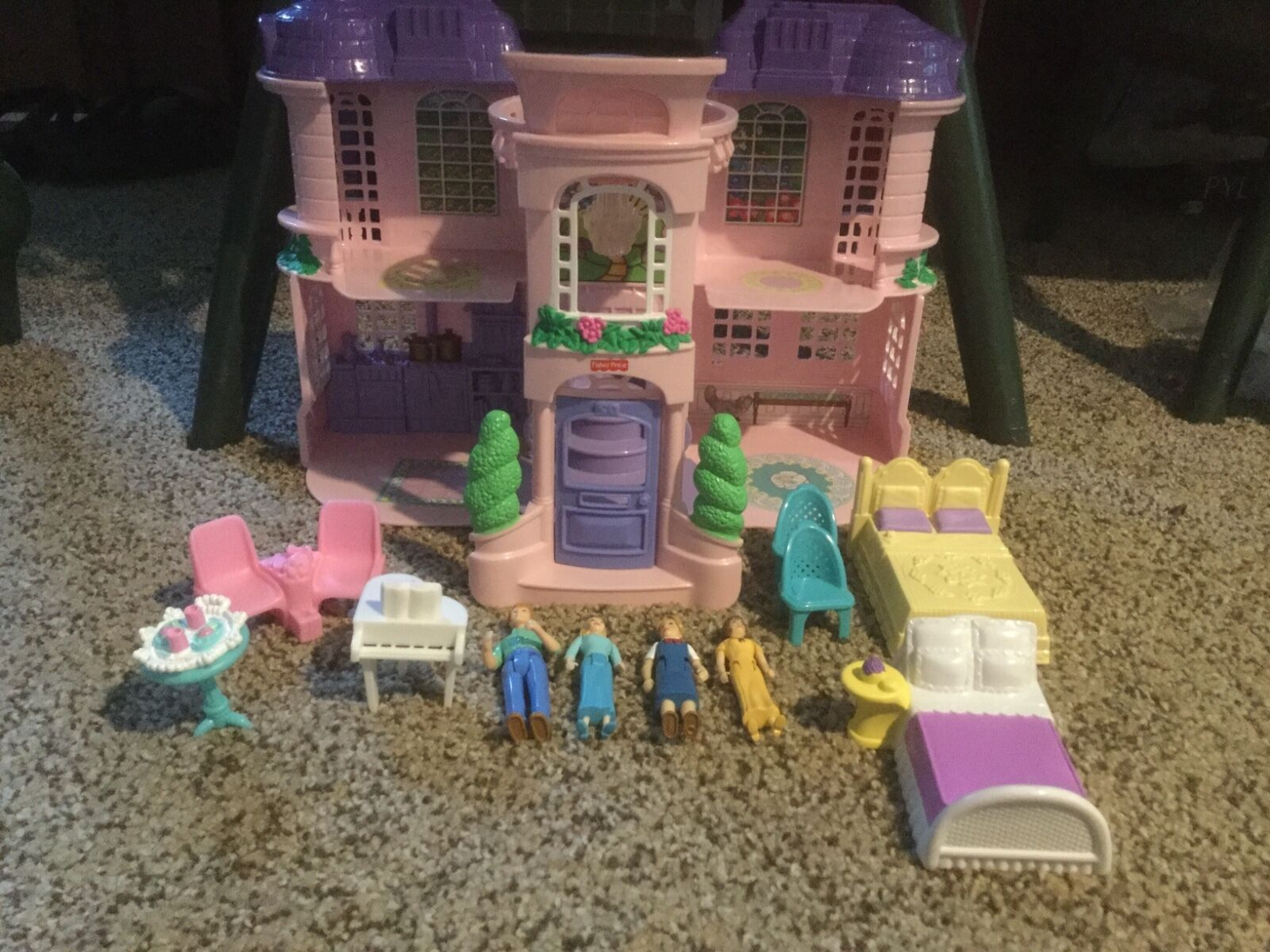 Pre Owned Fisher-Price Cottage.  Sweet Streets.    See Photos. 478914