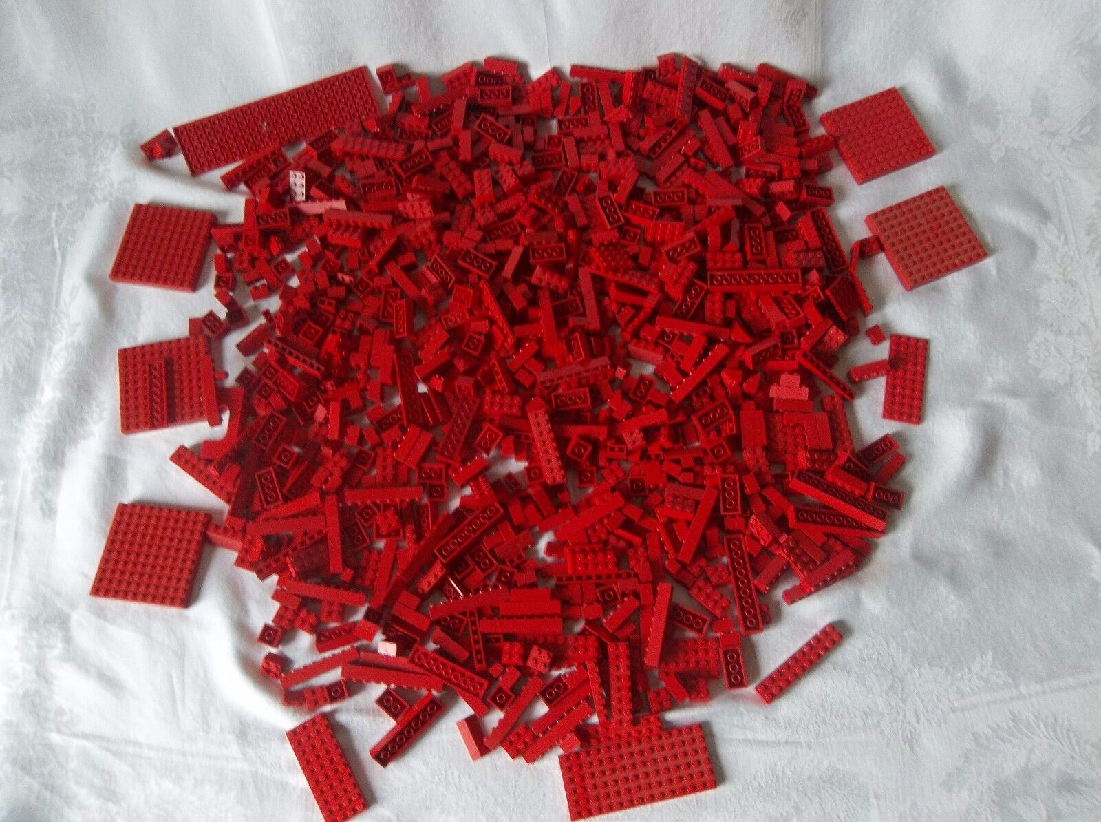 Vintage Legos  Red 950 Pieces Assorted Sizes and Pieces All Red