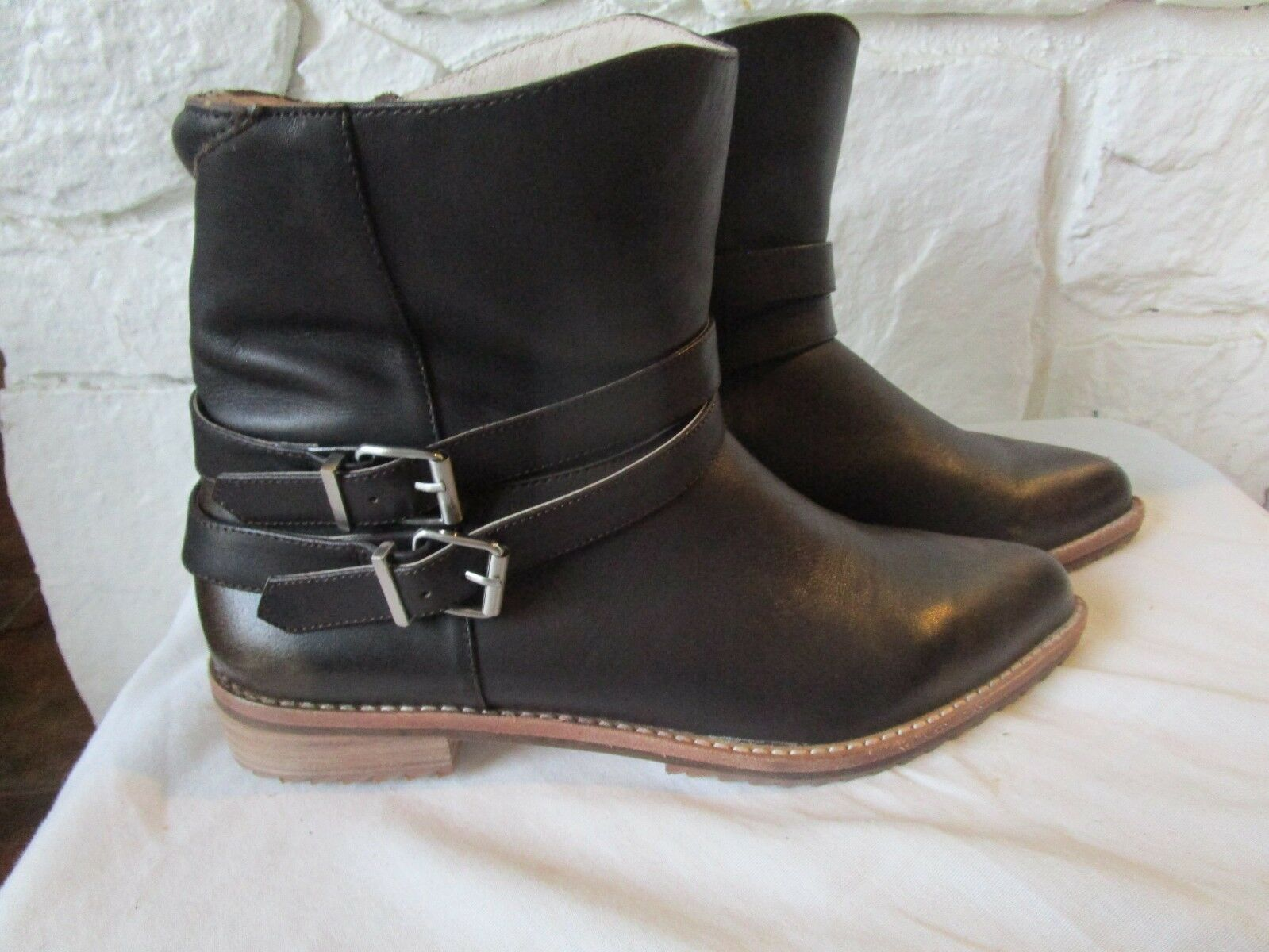 MATT BERNSON SHOES VOX BUCKLE BOOTIES ANKLE BOOTS Brown LEATHER 7.5 MOTO NWOB