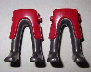 160065-Piernas-faldon-burdeos-y-gris-2u-playmobil-leg-medieval-gables