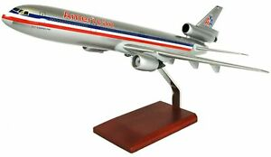 American-Airlines-McDonnell-Douglas-DC-10-Desk-Display-1-100-Model-ES-Airplane